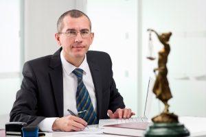 Durch Content-Marketing können Anwälte ihre Reichweite im Internet steigern.
