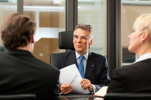 Ein Rechtsanwalt mit guter Bewertung findet erfahrungsgemäß leichter Mandanten.